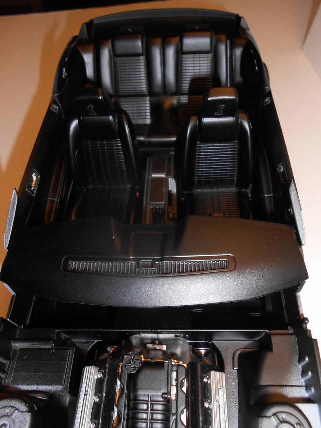 2010 SHELBY GT-500 REVELL 1:12 - Page 2 DSCN0559-vi