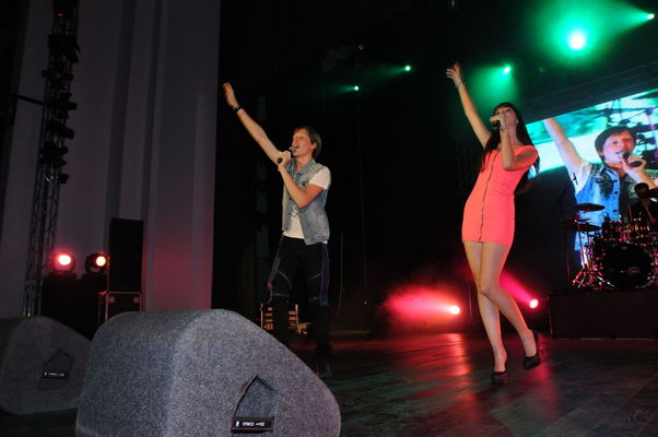 LaLa Band a ridicat 5000 de fani in picioare la concertele de la Bacau si Suceava! LaLa-Band