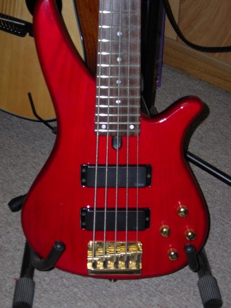 RBX 765 por Fender Squier Modified + R$1000 - Vale a pena? Yamaha1