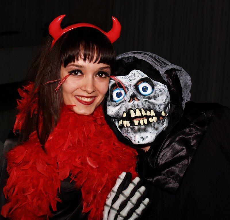 А вот и гости! - Персонажи Хеллоуина 0_4965f_f755a44e_XL