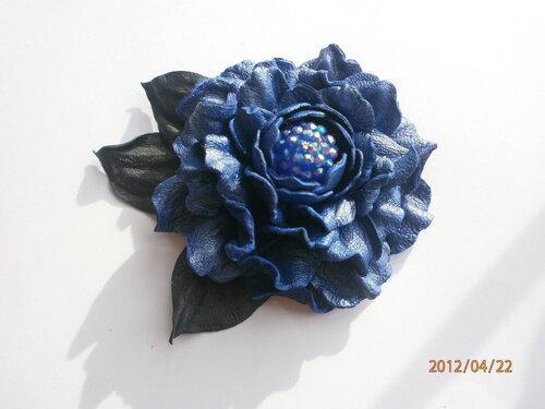 Цветы из кожи 0_7d5cf_d907357_L
