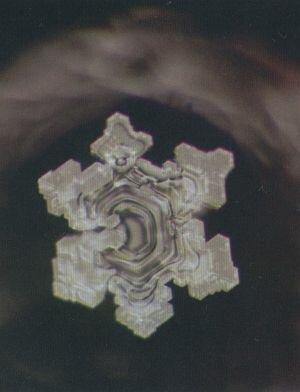 Мистические свойства воды 0_c26fd_6722cf0c_L