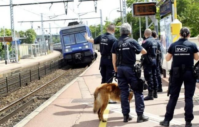 Tag france sur Tout sur le rail - Page 5 648x415_agents-surete-generale-sncf-quai-rer-villeneuve-saint-georges-5-juillet-2012