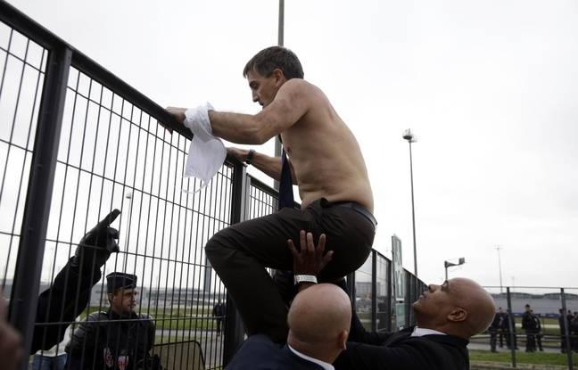 Debats et réactions sur l'actualité du jour - Page 4 648x415_roissy-5-octobre-2015-xavier-broseta-charge-ressources-humaines-air-france-exfiltre-apres-avoir-pris-partie-manifestants