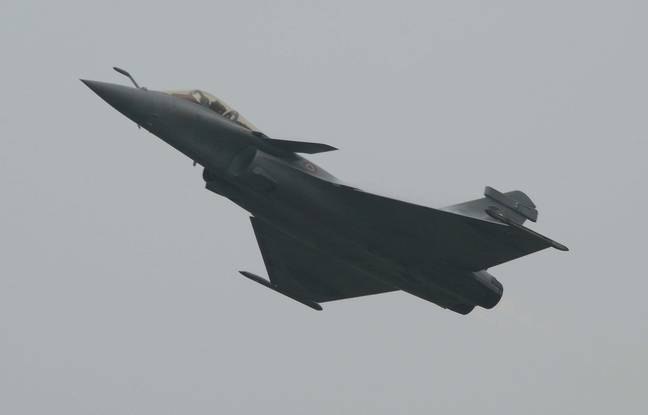 La moitié de la force aérienne française n'est pas en état de voler 648x415_rafale-demonstration-indonesie