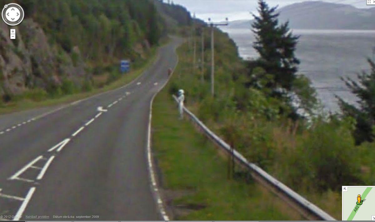 Kuriózne zábery na Google Street View  Google_street_view_ufon_4