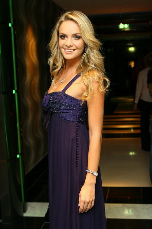 Kucharova - Official Thread of Miss World 2006 - Tatana Kucharova (Czech Republic) 1801396-vecirek-klenoty-aurum-tana-kucharova