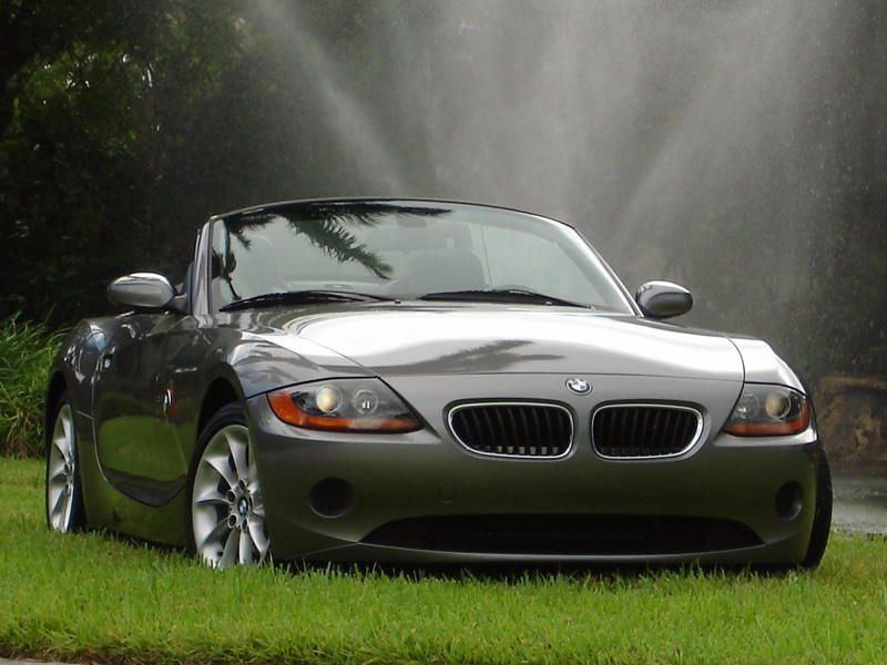 اجمل و اسرع سيارات العالم الغير قابلة للتغير 2003_BMW_Z4_2_5L