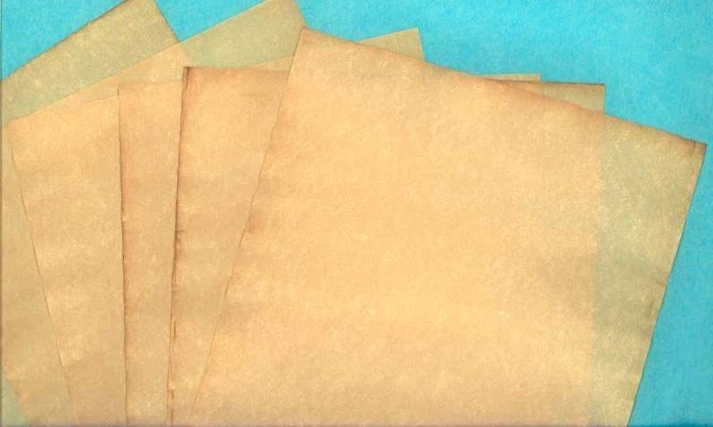 Lámpara medieval - Página 2 Hear_YE_Parchment_paper