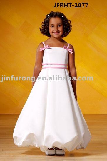 Faîtes les suivre - Page 43 Cutest_Flower_Girl_Dress_Wedding_Gown_JFRHT_1077