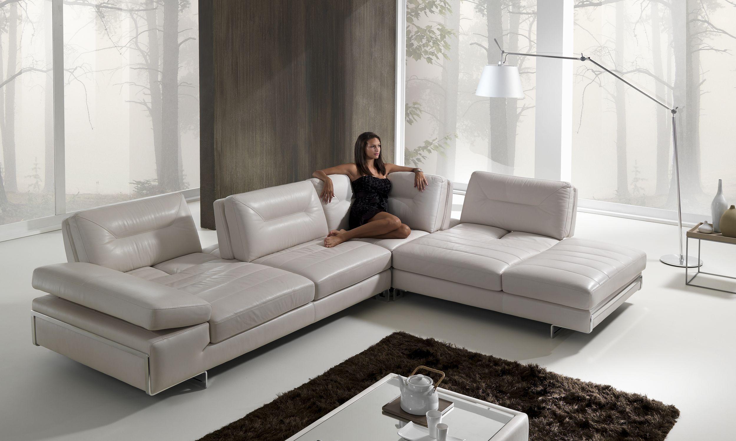 Mobiliario cómodo para el salón de la casita. Sofa-moderno-rinconero-reclinable-de-cuero-57217-1503121