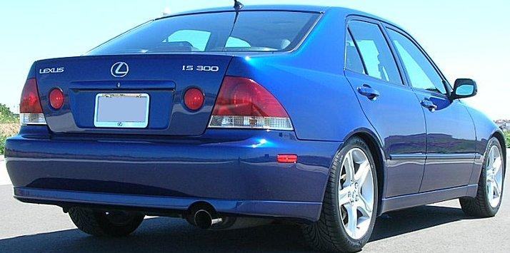Lexus IS300 - Page 4 140245228_o