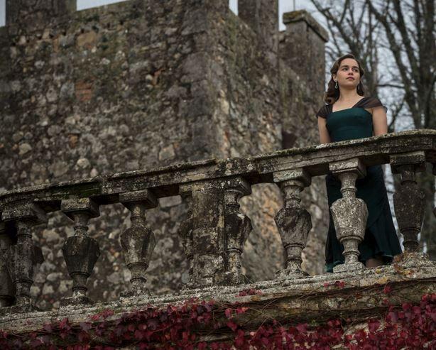 """Voice from the Stone"", protagonizada por Emilia Clarke. Imagen-1"
