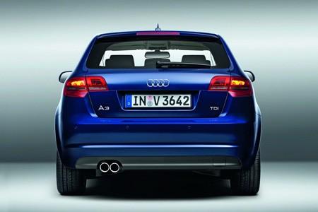 اكتشفو سيارة a3 الجميلة من شركة العملاقة audi Audi_a3_2010_038df-450-300