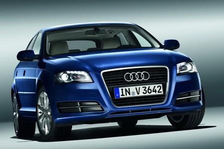 اكتشفو سيارة a3 الجميلة من شركة العملاقة audi Audi_a3_2010_b63b2-450-300