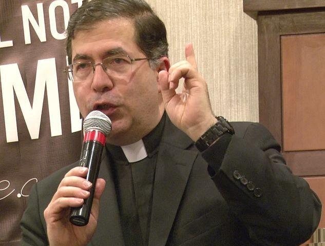 États-Unis: l'Église enquête sur un prêtre pro-life, ayant appelé à voter Trump P-Frank-Pavone_0_730_480