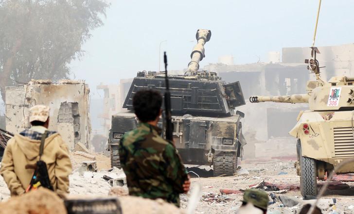 Syrte, fief de Daech en Libye, reprise par le gouvernement Forces-gouvernement-dunion-nationale-libyen-GNA-reprennent-controle-quartier-Al-Giza-Al-Bahriya-Syrte-djihadistes-Daech-21-novembre-2016_0_730_441