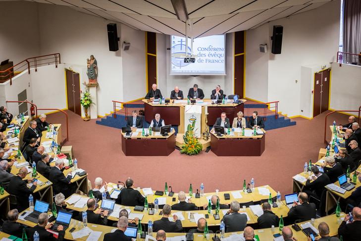 Présidentielles en France  Assemblee-pleniere-eveques-France-Lourdes-novembre-2016_0_729_486