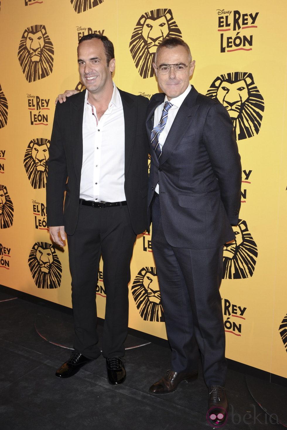 ¿Cuánto mide Jordi González? - Altura 10521_santi-acosta-y-jordi-gonzalez-en-el-estreno-del-musical-el-rey-leon-en-madrid