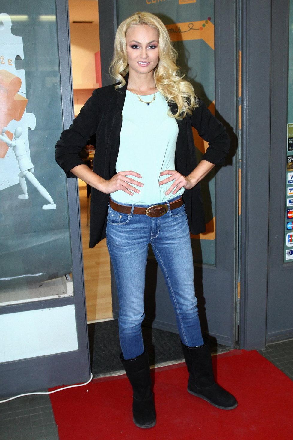 Tereza Fajksová - Tereza Fajksova- Miss Earth 2012 Official Thread (Czech Republic) - Page 3 1519143_