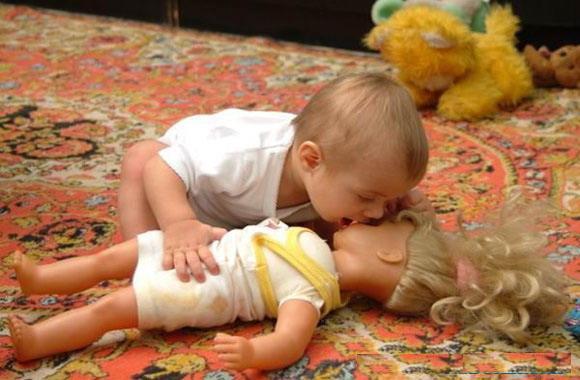 9 Mayıs ..Seker_PrenSesi Tuba'mm nice yıLLaraa :) 1001resim_bebek-barbie-bebegi-operken