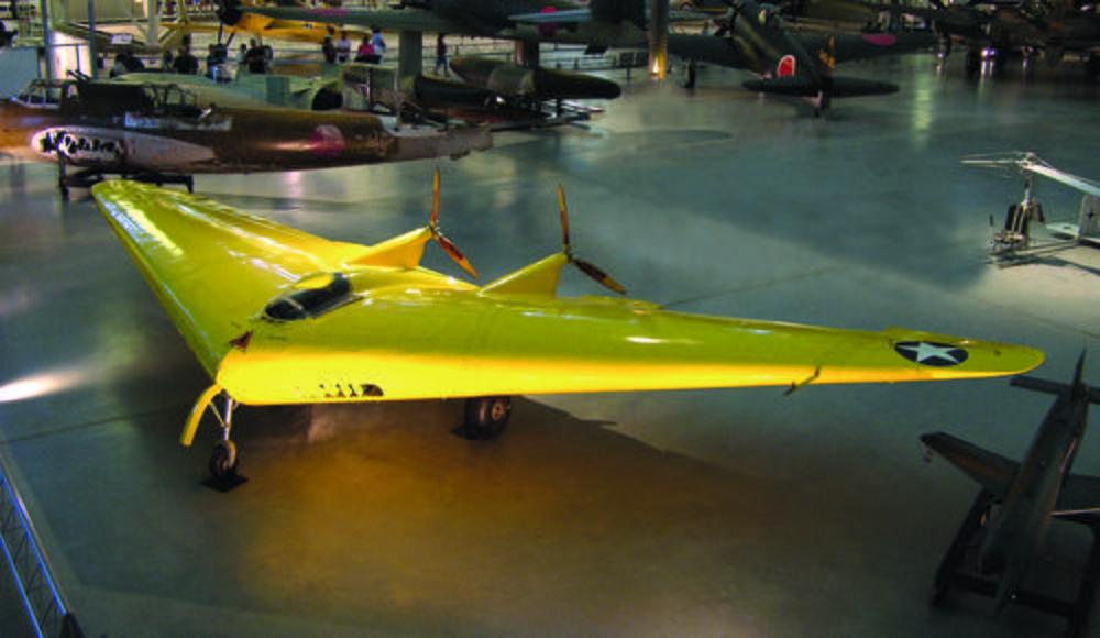 CAPITAL: 10 engins volants qui ont marqué l'histoire Northrop-n-1m-la-premiere-aile-volante