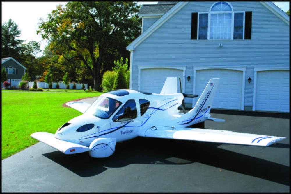 CAPITAL: 10 engins volants qui ont marqué l'histoire Terrafugia-transition-l-auto-qui-decolle