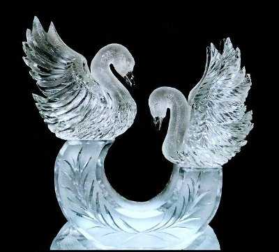 Arte efímero, esculturas en hielo y nieve Cisnes