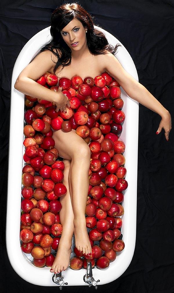 Omiljene poslastice,vocne salate ,kupovi,sladoledi... ApplesDM2001_600x1008