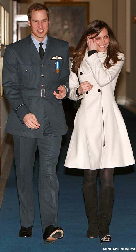 Príncipes William y Harry WillsKate2DM_468x865