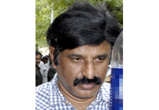இதுவும் சிகிச்சைதான்' என மாணவியை கற்பழித்த டாக்டர் Tamil_News_large_519796