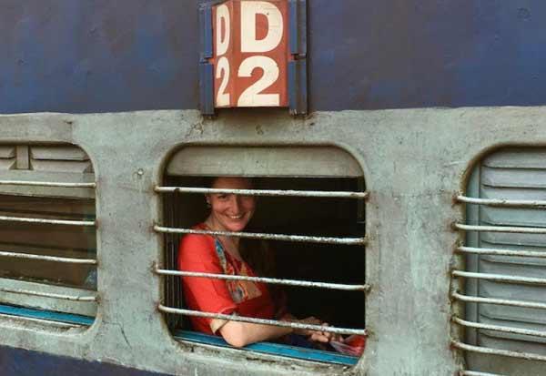 ரயில்களில் பெண்களுக்கு தனி பெட்டி இல்லை Tamil_News_large_2146238