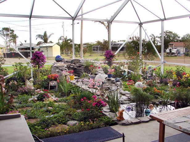 Vrtovi - Page 5 HGTV2491937-RMS-Gardens_Memory-Garden-AnnandTim_s4x3_lg