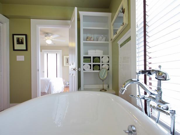 جــوله في بيت آمـريكي BC11_02-Master-Bathroom-FM-9855_s4x3_lg