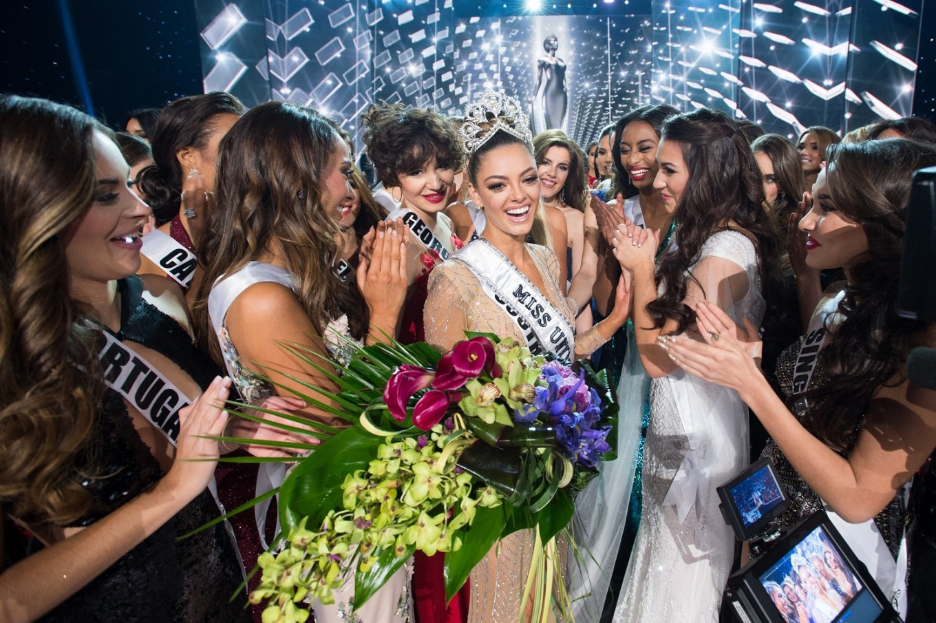 ♔ The Official Thread of MISS UNIVERSE® 2017 Demi-Leigh Nel-Peters of South Africa ♔ Universe%202