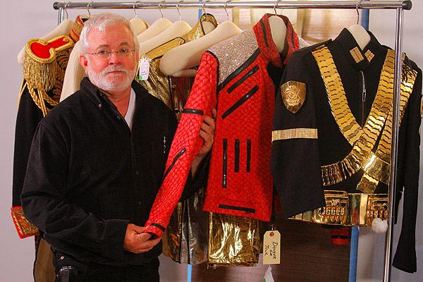 Costumi storici di MJ saranno in tour e successivamente all'asta Museo-moda_171217