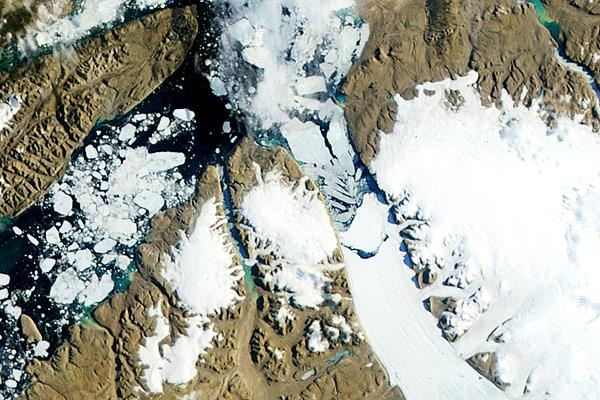 Un iceberg el doble de grande que Manhattan se desprende en Groenlandia 300-mag_1449