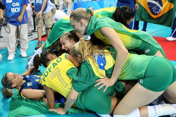 Corinthians Campeão = Puta injustiça - Página 2 4287E2C9AE02475A9B64E76706CC9087