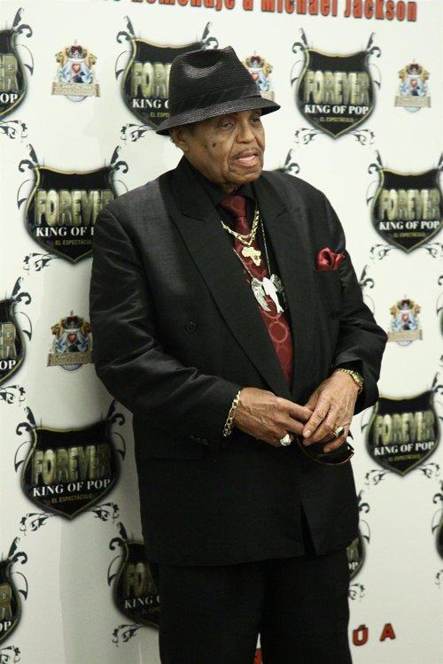 "Joe Jackson promuove il musical ""Forever King of Pop""  Fotonoticia_20110318144259_500"