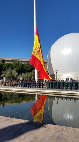 Defensa apoya que la bandera ondee a media asta en Semana Santa porque ya es una tradición en los cuarteles Fotonoticia_20140706114551_260