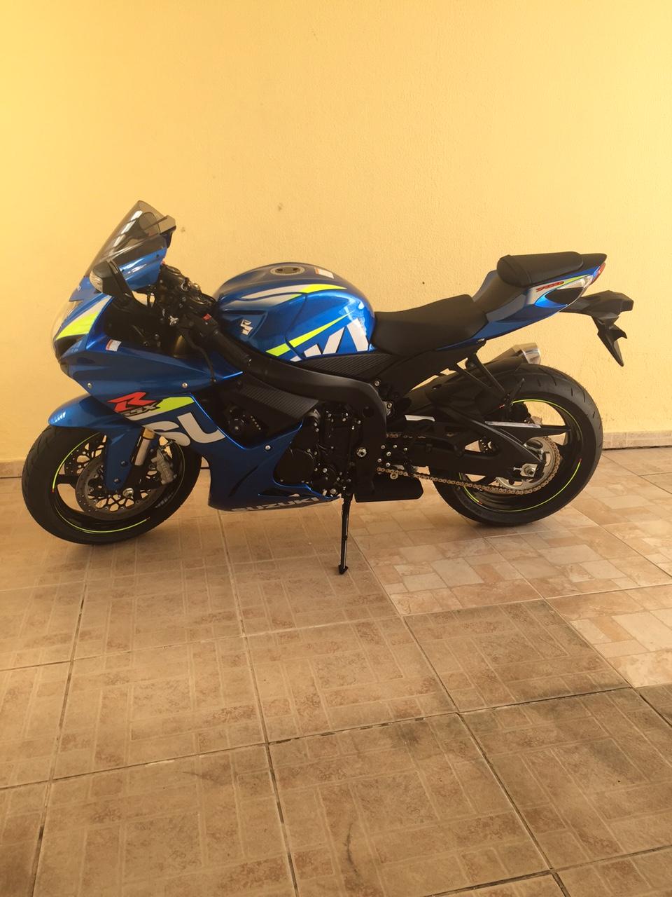 Falae Galera!!! Mais uma Srad 750 Azul MotoGP na área C26512552d357299c7c8e0d2fc6a62501320a3ec
