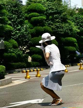 SOUTH Korean traffic girls!! F2682475cf208c1c0974a7171457e160