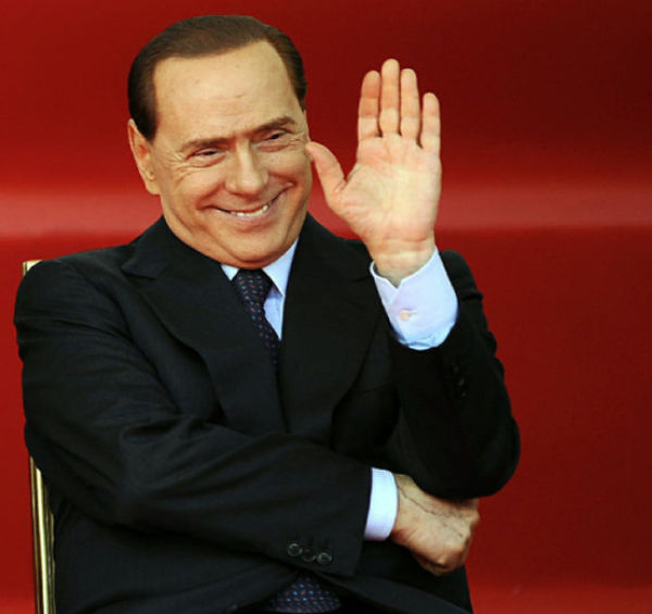 SILVIO BERLUSCONI - The hands of the Prime Minister of Italy! Silvio_berlusconis_favorite_640_12