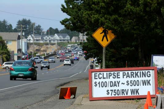 Avant l'éclipse solaire totale, la fièvre monte aux Etats-Unis F655dd4_MB109_SOLAR-ECLIPSE-USA_0820_11