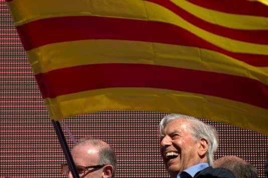 A Barcelone, une immense marée jaune et rouge contre l'indépendance 52070f5_21552-fvv322.h23afnipb9