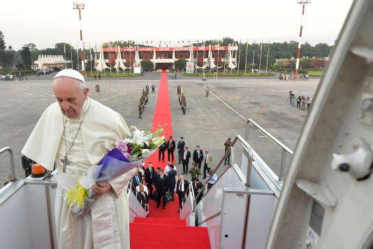 Le pape François en  Birmanie et le Bangladesh 0e92cf2_892130f14ab9449ebc5c614af23cd2a1-892130f14ab9449ebc5c614af23cd2a1-0