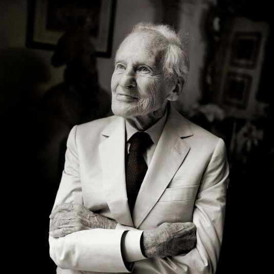 L'écrivain et académicien Jean d'Ormesson est mort Fb46c05_984-1r0vpiu.999pk