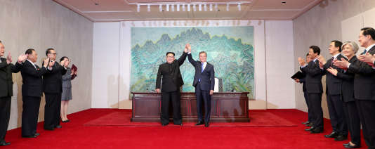 Sommet intercoréen : « Moon Jae-in se pose en messager entre Trump et Kim Jong-un » 53ae14a_SUM270_NORTHKOREA-SOUTHKOREA-SUMMIT_0427_11