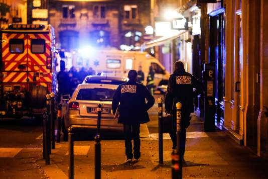 Attentat au couteau à  Paris 16b9fd9_urn_binary_dpa_com_20090101_180513-99-283745-FILED