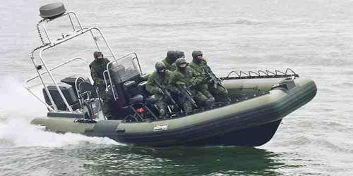 البحرية الليبية تستعد لاستلام 30 قاربا عسكريا من فرنسا Military-boat-rigid-inflatable-boat-troop-carrier-20945-190249